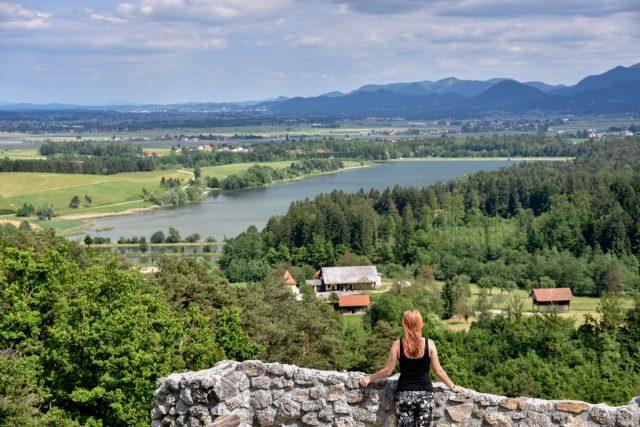 Grad Žovnek in sprehod okoli Braslovškega jezera: Žovneško jezero