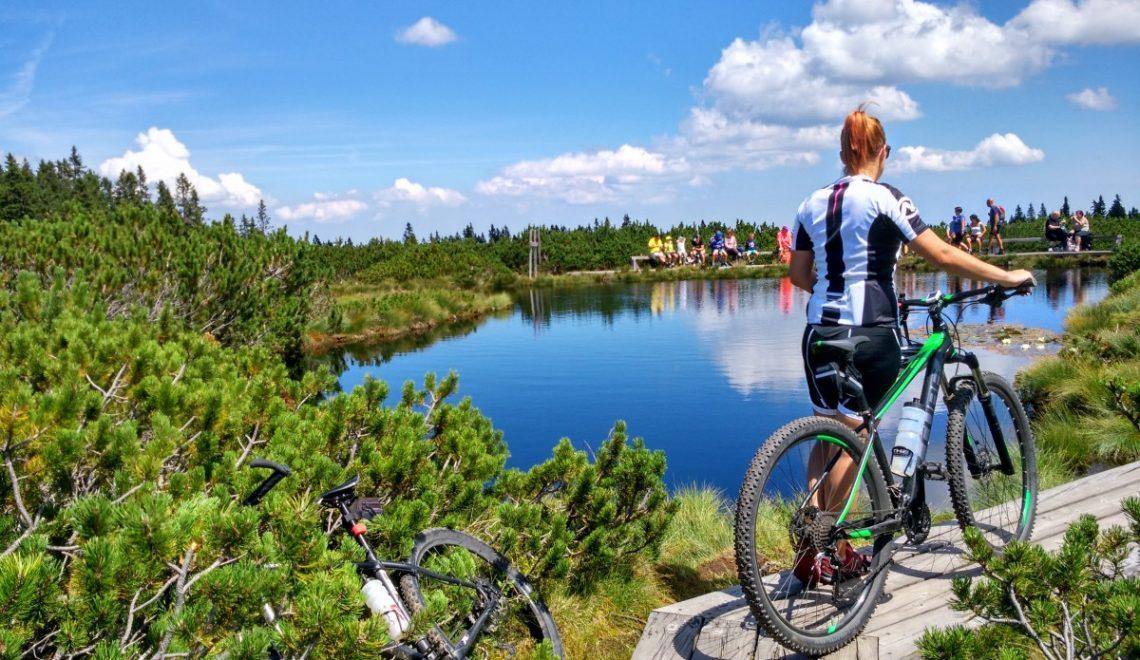 S kolesom na Lovrenška jezera