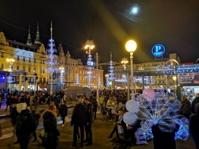 Adventni Zagreb, trg Bana Jelaćića