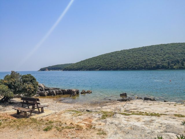 Aktiven oddih v Kampu Dvor: Plaža Karnica