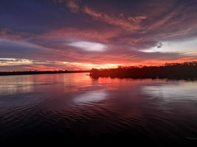 Potovanje po Amazonki in sončni zahod, Peru
