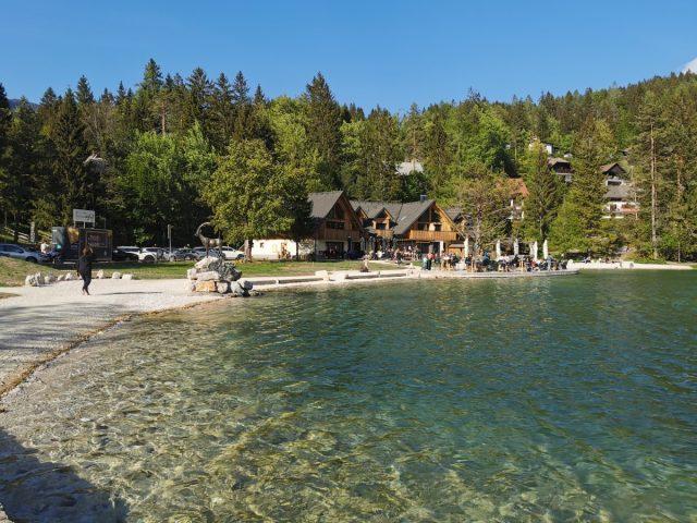 Enodnevni izlet v Kranjsko Goro: jezero jasna