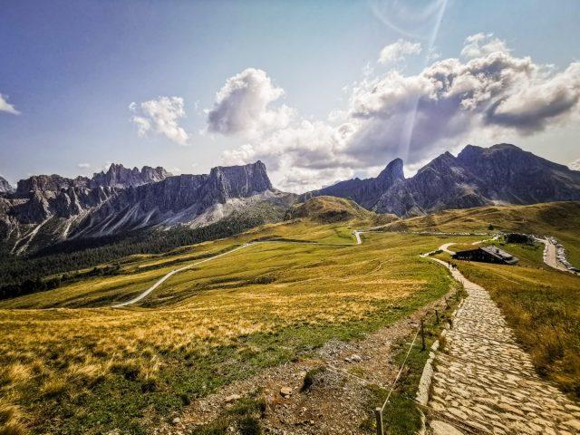 Podaljšan vikend v Dolomitih: paso giau