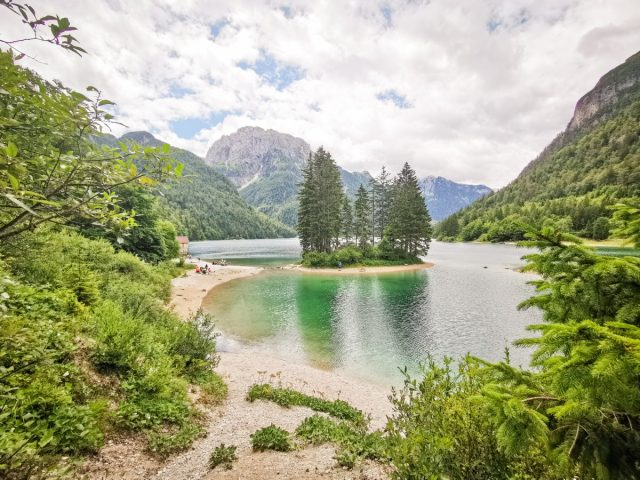 20+ ideas and activities on what to do in the Soča Valley: rabelj lake