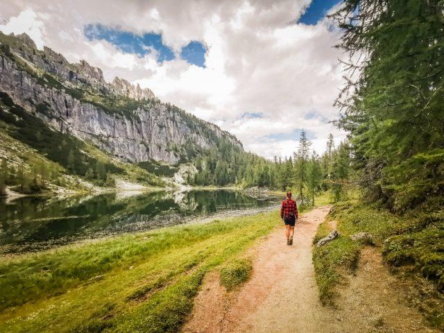 Pohod do koče Croda da Lago in jezera Federa