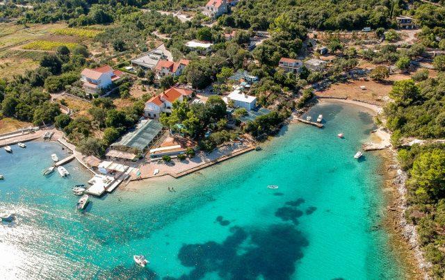 Vodič po Korčuli, otok morja, sonca in vina: korčula kamp vrbovica