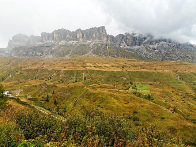 Plezalno pohodniški roadtrip po Dolomitih: prelaz valparola